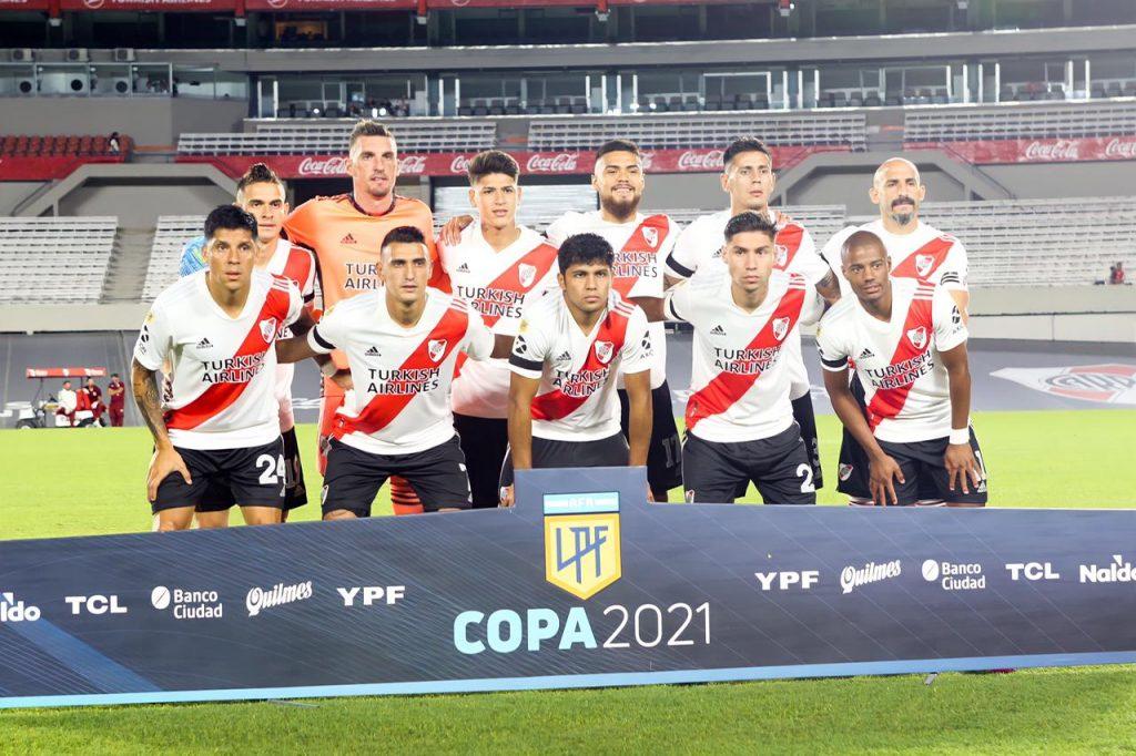 Fotos: River Plate vs R. Central (Primera Fase - Copa de la Liga 2021)