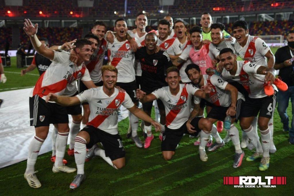 Fotos: River Plate vs Racing (Supercopa Argentina - Final - 2021)