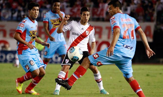 La última vez que River fue local de Arsenal en Núñez