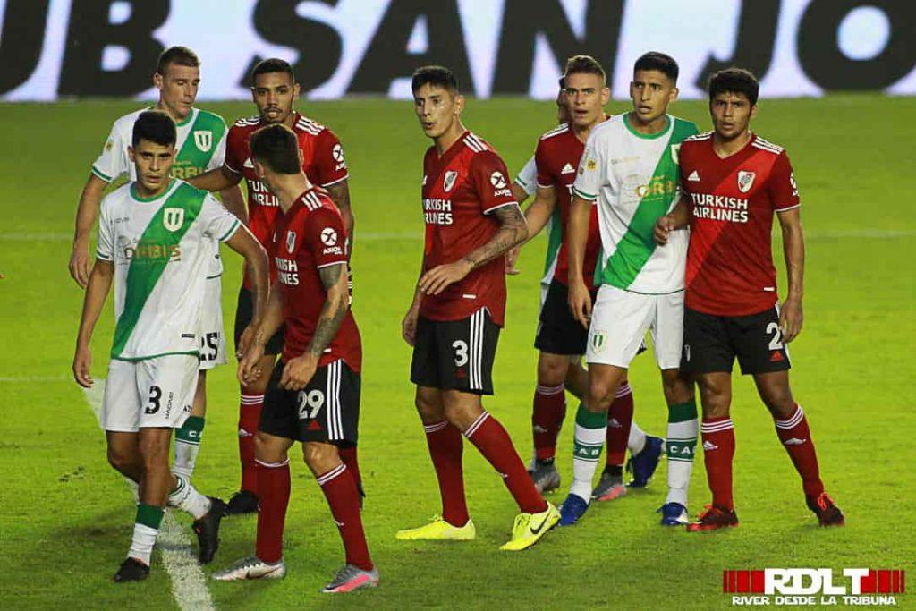 Lee más sobre el artículo Fotos: Banfield vs River Plate (Primera Fase - Copa de la Liga 2021)